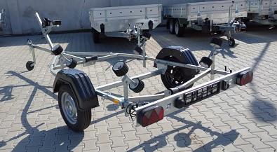 Přívěsný vozík na loďku