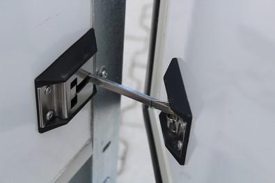 Zajištění dveří při otevření
