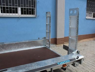 Přívěs MARTZ BAU 400/3 3500kg na přepravu bagrů - provedení s nájezdy