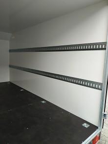 Přívěs skříňový Tomplan TFS 420T.00 2700kg 4200x2000mm fixační lišty