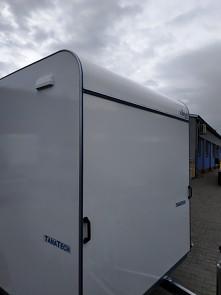 Přívěs skříňový Tomplan TFS 420T.00 2700kg 4200x2000mm aerodynamická horní hrana