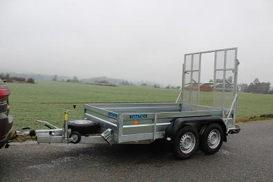 Přívěs UNK pro stavební stroje 3500kg 1,8x3m - universální přepravník mini bagrů , stavební a zahradní techniky