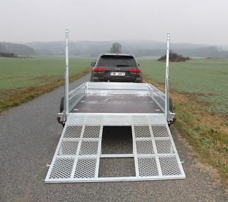 Přívěs UNK pro stavební stroje 3500kg 1,8x3m - masivní zadní nájezdová rampa