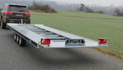 Přívěs martz GT 580 Kippar 3500kg sklopný - přepravní poloha podložky SPZ