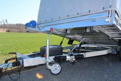 Přívěs UNK AD2100x4500 valník rampa sklopný 2700kg masivní hydraulika a svařovaný rám