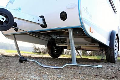 Přední opěrná noha minikaravanu TOMPLAN