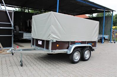 Nebrzděný dvounápravový přívěs Lider 2D250 750kg a plachta s konstrukcí 800mm od Tanatech.