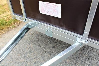 Přívěs LIDER 2D250 má přípravu na úpravu sklopný přívěs.