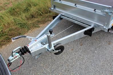 Brzděný přívěs Zaslaw 265TH, nájezdová brzda, zakládací klíny s držákem, opěrné kolečko