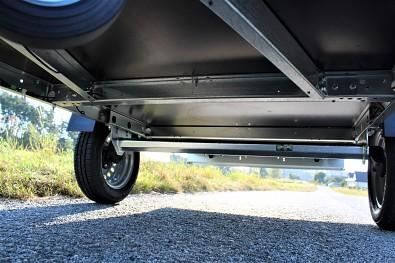 Přívěsný vozík MARTZ Basic 230 má 3 výztuhy pod ložnou plochou.