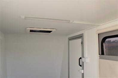 Přívěs skříňový Tomplan TFS 320S.00 320x150x150 750kg okna+dveře od Tanatech - rozvod elektřiny + osvětlení (příplatková výbava)