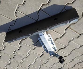 T opěra výškově stavitelná pro lodní přívěsy ovládaná kličkou