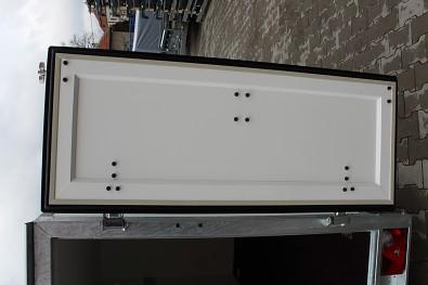 Vyztužené zadní dvoukřídlé dveře