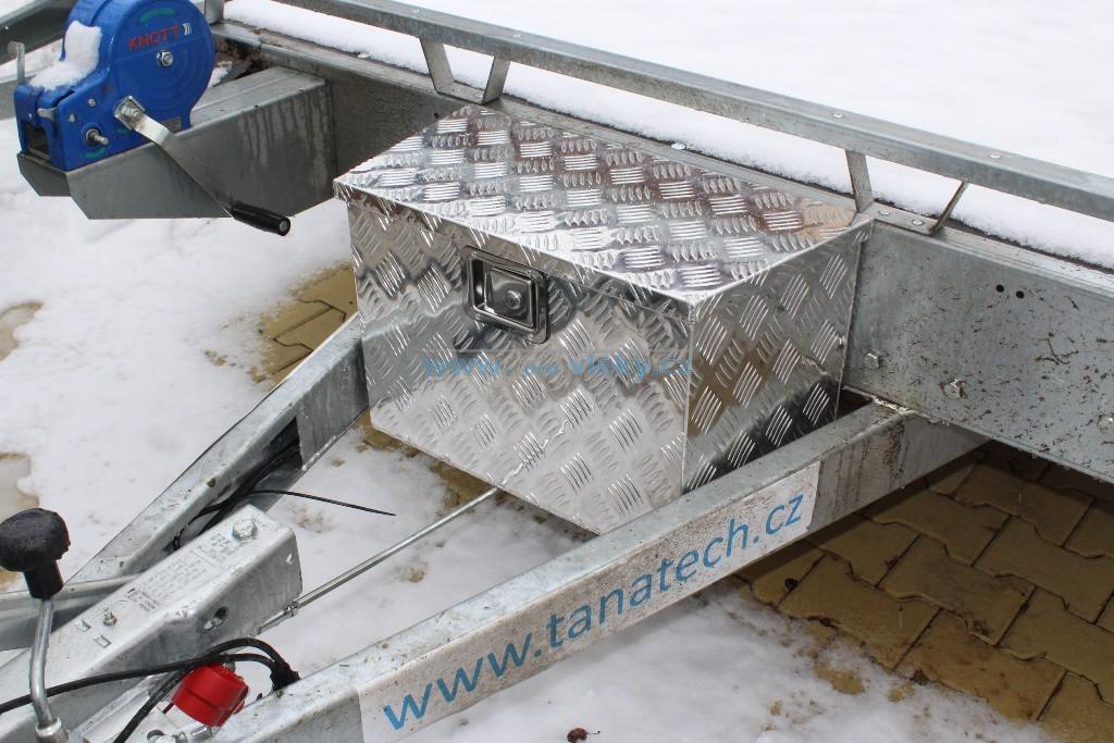 Hliníkový box skosený 500x600x300x350mm