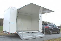 Přívěs Tomplan TWFSP 420T.00 2700kg 420x220cm. Výstavní skříňový stánek.